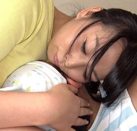 ムチムチママと赤ちゃん幼児プレイ 可愛い声で「めっ!」が最高。